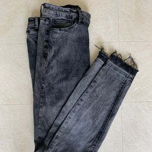 light wash back skinny jeans with frayed ends